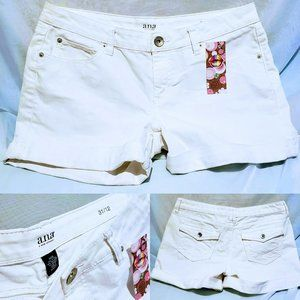 a.n.a white denim jean short size 31 (12)🦄💋
